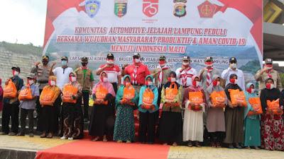 Kapolda Lampung Lepas Komunitas Otomotif Lampung Bersamaan Salurkan 152 Ton Beras