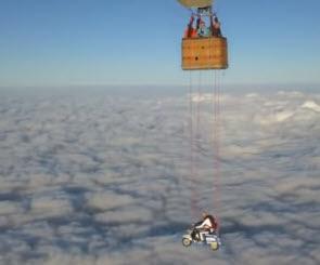 Vespa Diajak Terbang Di Ketinggian 23.000 Kaki