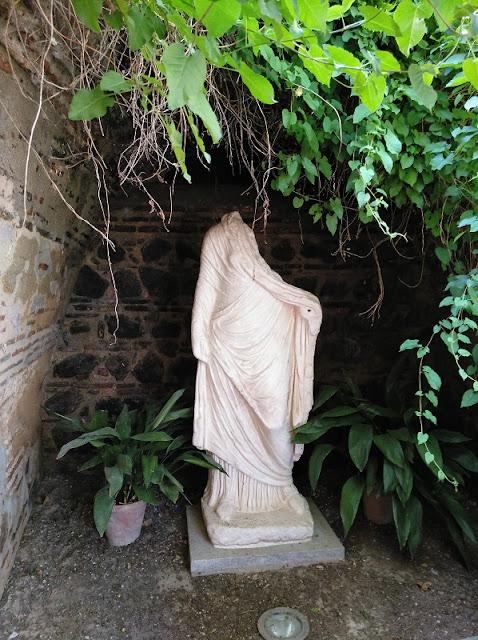 Toledo - Museo Casa del Greco - Estatua romana en los jardines