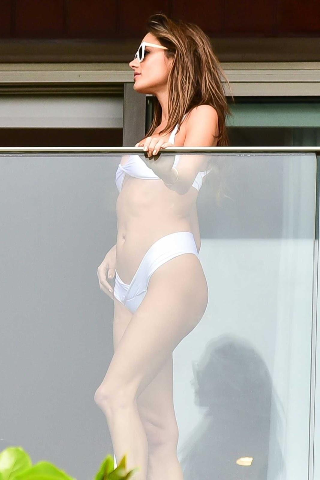 Alessandra Ambrosio bares enviable bikini body in Rio de Janeiro