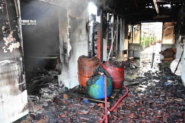 Μεγάλη πυρκαγιά σε εγκαταστάσεις θερμοκηπίου στο Ναύπλιο (βίντεο)