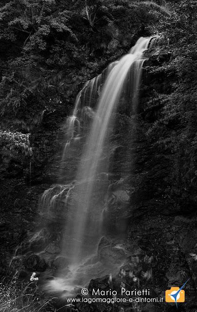 Cascata a Campello Monti in bianco e nero