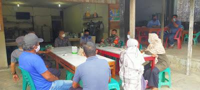 Melalui Wadah Komsos, Babinsa Koramil 07/Johan Pahlawan Taburkan Semangat Protokol Kesehatan