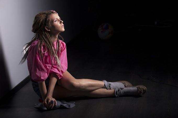 Cómo sentarse bien para evitar contracturas en la espalda