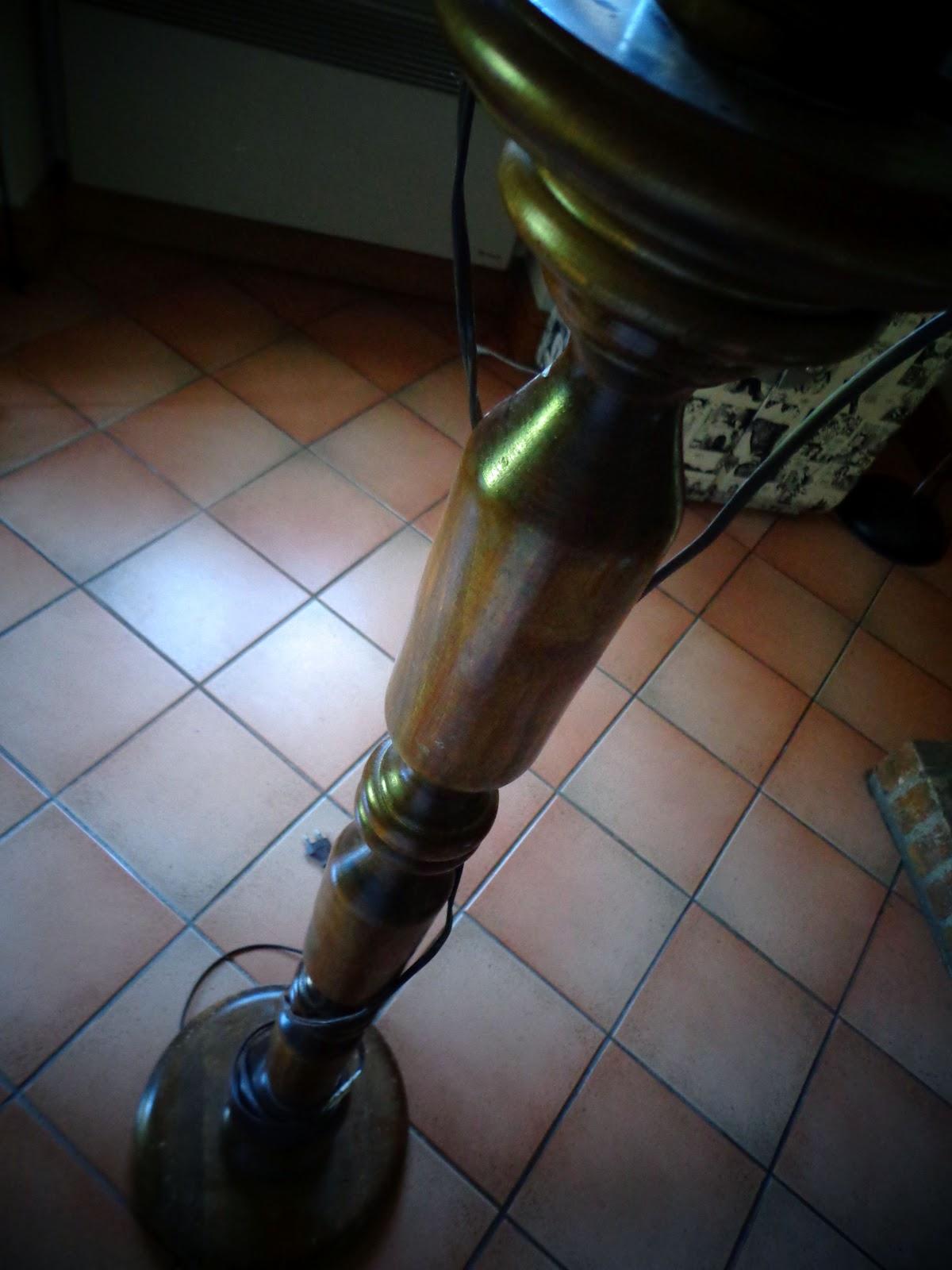 faut il tre une lumi re pour relooker un lampadaire la fibre cr ative. Black Bedroom Furniture Sets. Home Design Ideas
