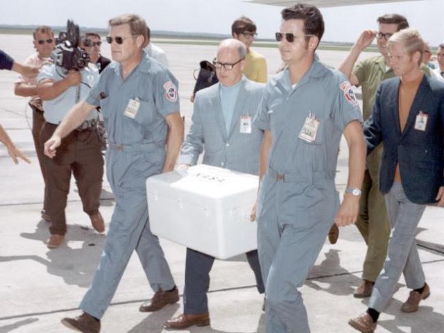 amostras lunares da missão Apollo 11 chegando em laboratório da NASA