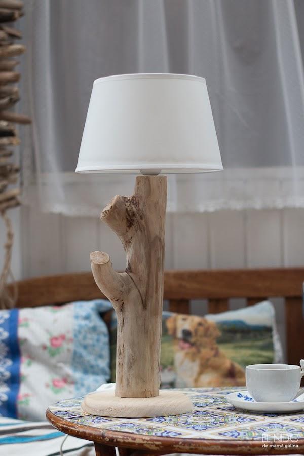 lámpara con madera de deriva