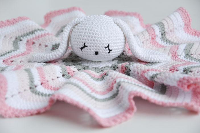 Mantita de apego a crochet