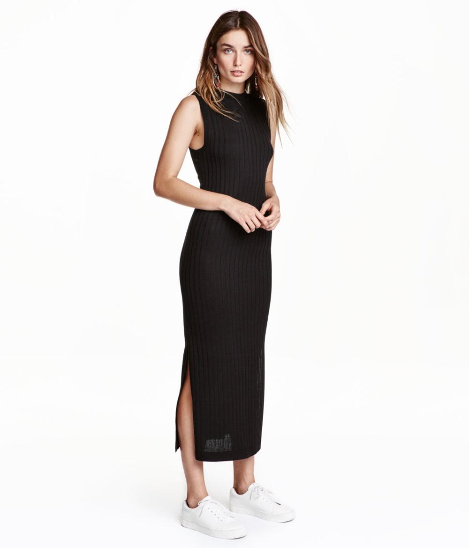 Geripptes Kleid von H&M, um 30 Euro, black