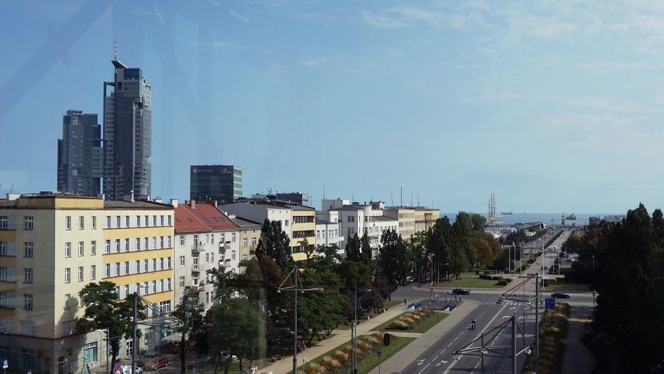Widok ze szczytu InfoBoxa na Sea Towers