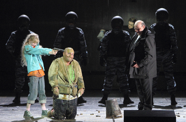 Kevin Conners as the Holy Fool in Calixto Bieito's Boris Godunov