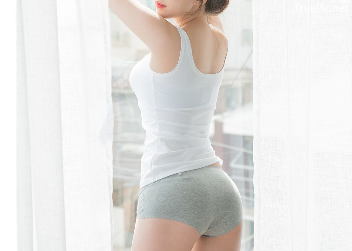 Image-Korean-Lingerie-Queen-Haneul-Model-Black-And-White-Fitness-Set-TruePic.net- Picture-3