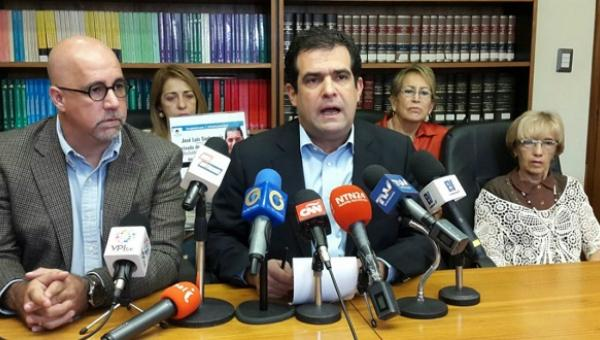 """Foro Penal denuncia que a los 25 estudiantes detenidos en el Rosal les """"sembraron evidencias"""" durante inspección"""