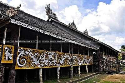 Rumah Lamin Adat Kalimantan Timur