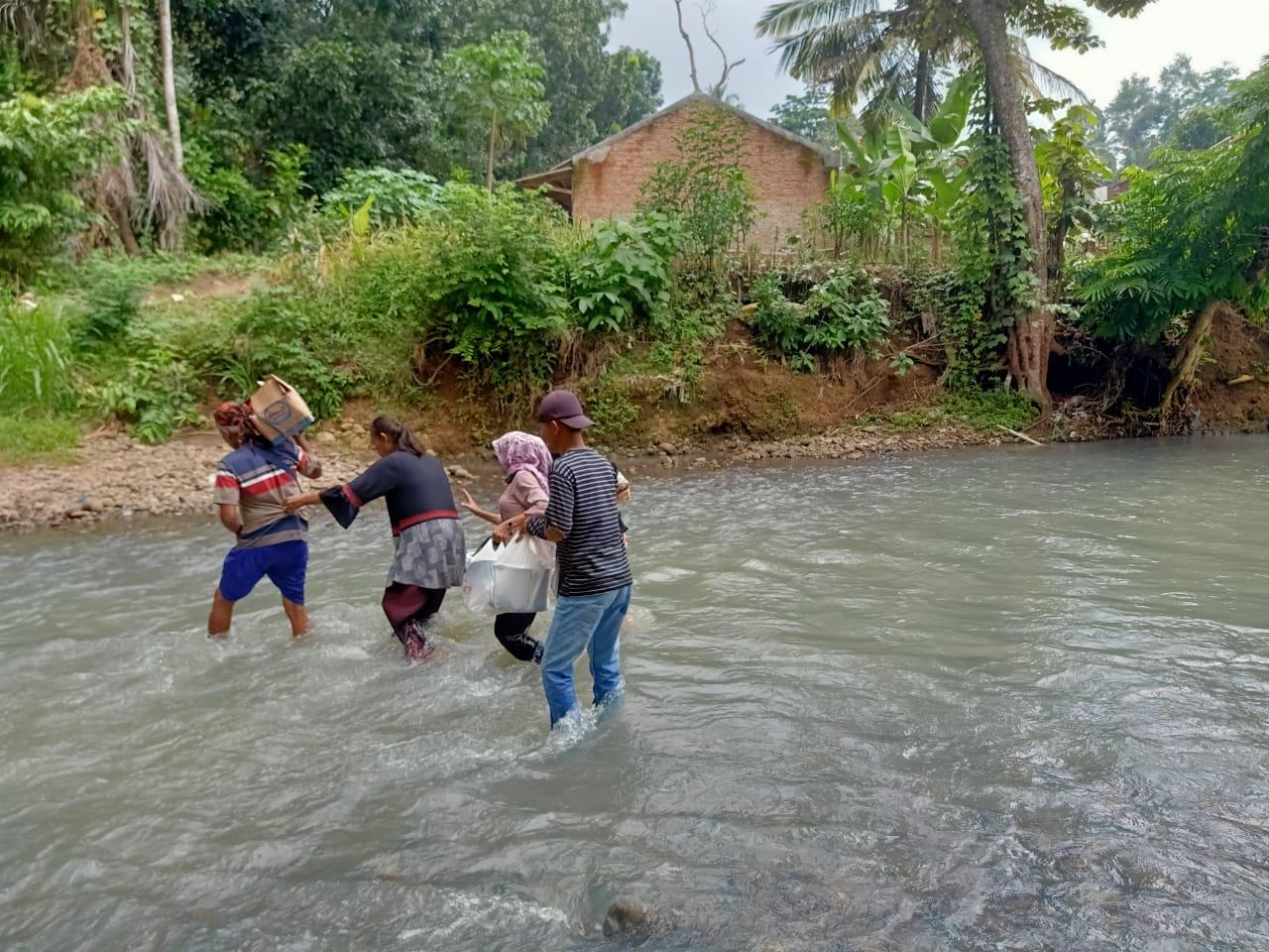 Miris di Kota Bandar Lampung: Warga Kampung Sinar Banten Dan Sukarame 2 Terisolir Butuh Jembatan Penghubung