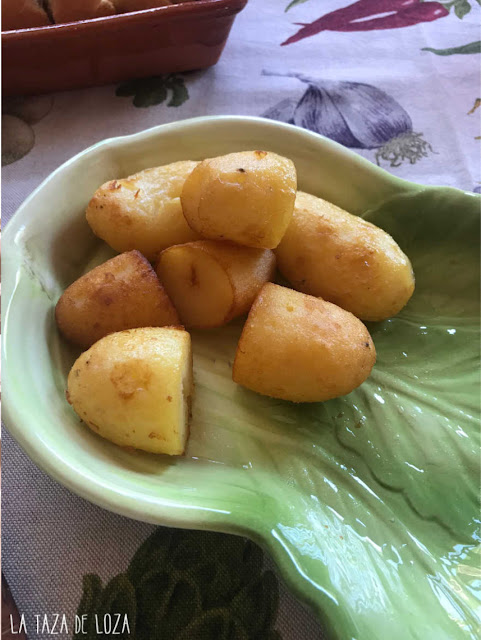 fuente-de-patatas-hervidas-y-fritas