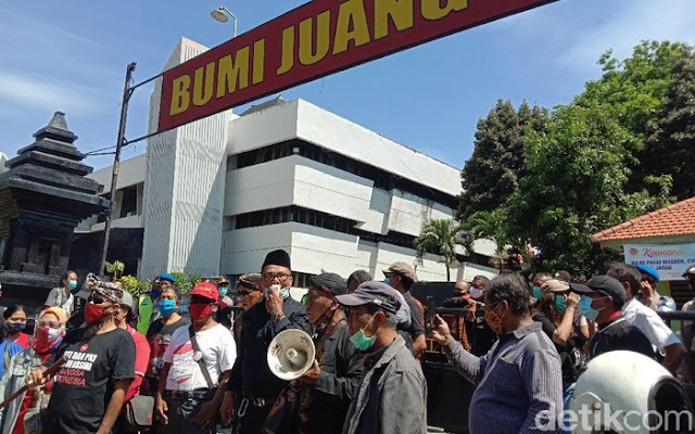Surabaya Adalah Kita Bantah Tudingan Massa Bayaran Saat Adang KAMI
