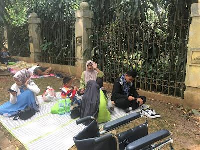 Liburan Ke KEBUN BINATANG RAGUNAN | JAKARTA