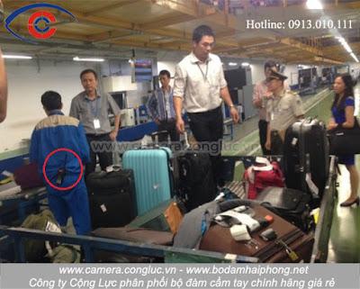 Sử dụng bộ đàm trong lĩnh vực vận chuyển hành lý tại sân bay, hàng không.