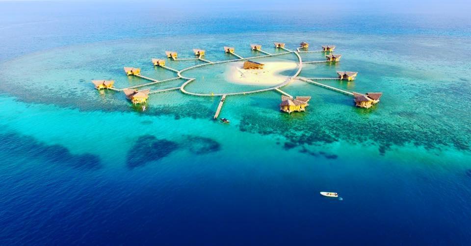 gorontalo pulau cinta sangat cocok buat anda yang sedang melakukan kegiatan bulan madu atau sering disebut dengan honeymoon sebab tempat wisata