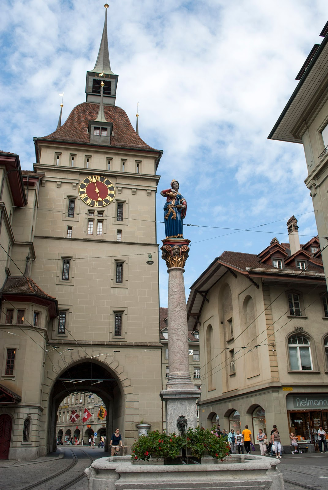 bern clock old town