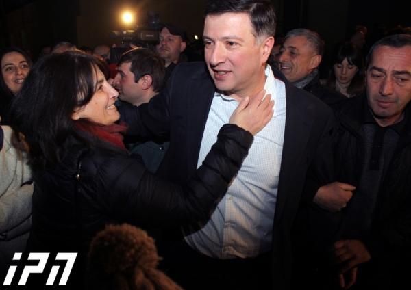 Президент Грузии помиловала Окруашвили и Угулава
