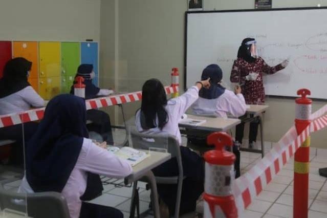 Protokol COVID-19 Yang Wajib Diterapkan Saat Kembali Bersekolah Januari 2021