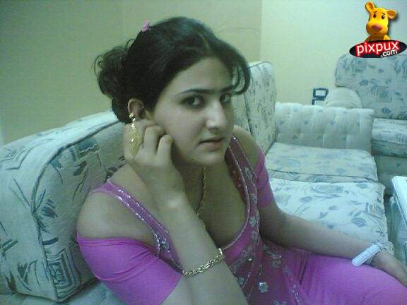 bhabhi hot in sari pics