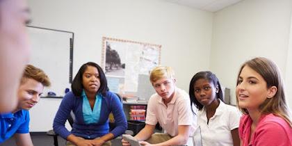 Cara Terbukti Menjadi Guru Berlian bagi Rekan Mengajar