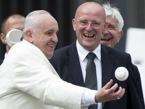 Domenico Giani, con el Papa