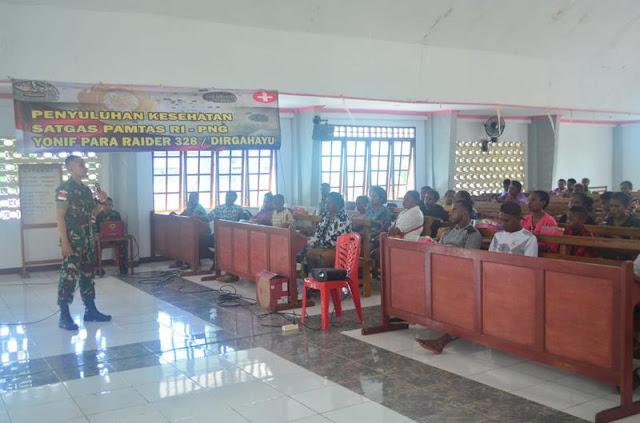 Satgas Pamtas Yonif PR 328 Kostrad Sosialisasi Penyakit HIV/AIDS Warga Skouw Mabo Papua