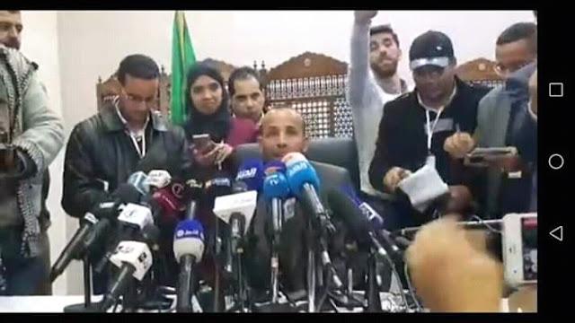 رشيد نكاز يخدع الجزائريين و يضحك عليهم