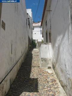 Travessa dos Sombreireiros de Castelo de Vide, Portugal (Crossing)