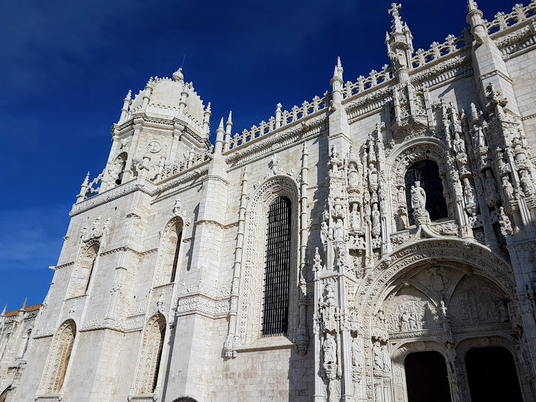 修道院南面的聖瑪利亞教堂 (Santa Maria de Belem Church)