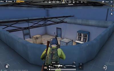"""""""Nhà K"""" và những bộ bàn điều chỉnh có vẻ dùng để cầu thang bí hiểm dẫn lên tầng 2"""