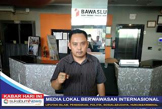 Mantan Ketua Bawaslu Kabupaten Sukabumi, Agung Munajat usai menyerahkan laporan dugaan pelanggaran proses rekrutmen oleh timsel anggota bawaslu Kab. Sukabumi ke Pusat