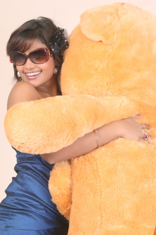 I Love To Do Bold Scene: Sonal Rathod