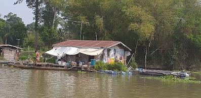 Schwimmende Häuser Sakae Krang River Thailand