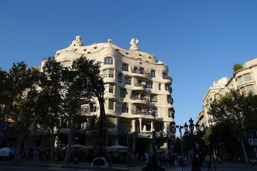 カサ・ミラ(Casa Milà)