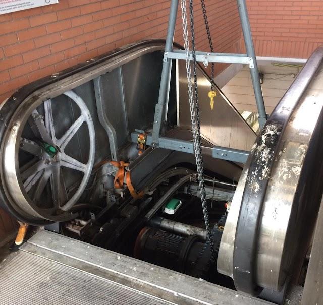 Roma-Lido, vita dura per i disabili: ascensori e scale mobili ancora chiusi