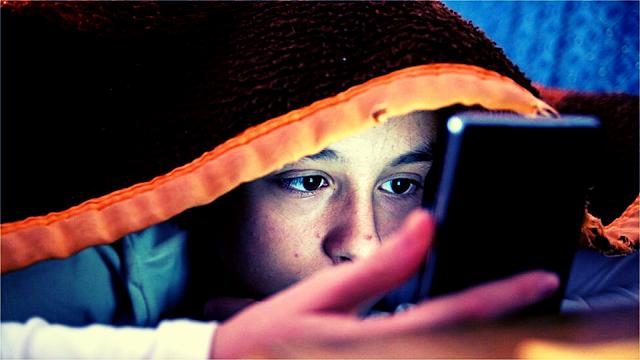 7 Aplikasi Filter Sinar Biru Terbaik untuk Smartphone Android
