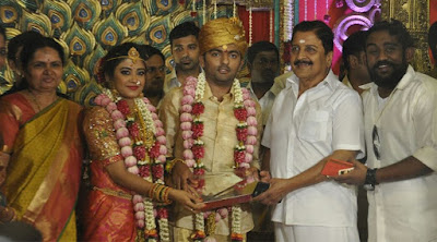 Actor-Chandrasekars-Daughter-Marriage-held-in-Palani2
