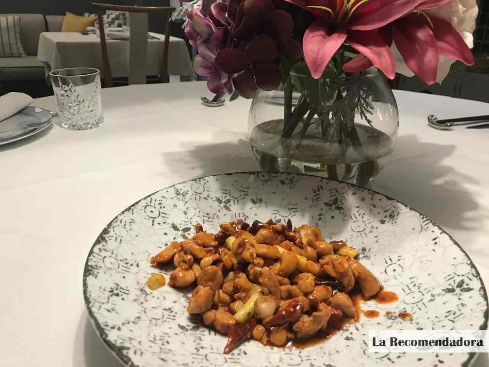 Pollo salteado con salsa Kung Pao del restaurante Hutong -> 10,50€