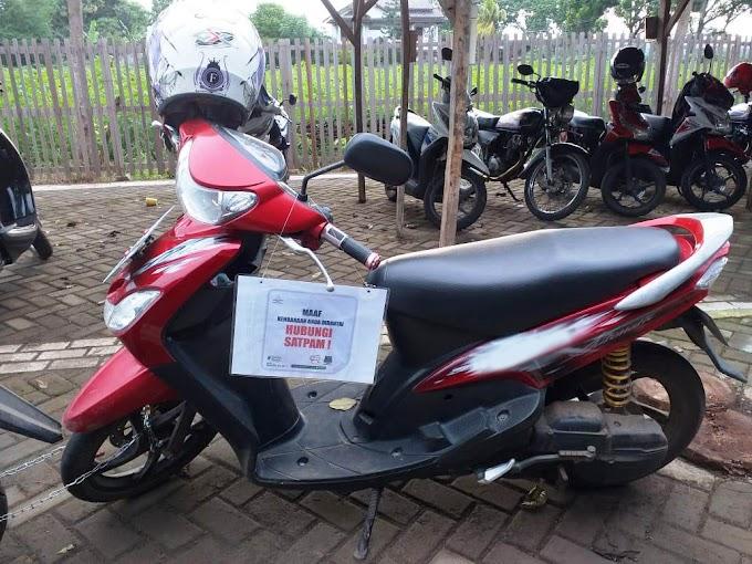 Di Kampus IPMAFA Parkir Kendaraan Harus Tertib