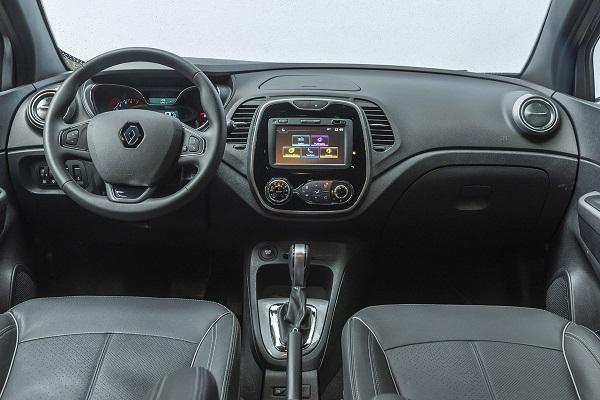 Interior Renault Captur Bose