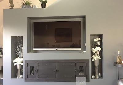 Meuble TV industriel sur mesure intégré