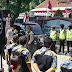 Polisi Polres Purbalingga Amankan Unjuk Rasa di Kantor Dinas Pendidikan dan Kebudayaan