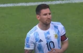 ليونيل ميسي لاعب منتخب الأرجنتين لكرة القدم