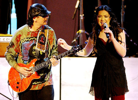 Carlos Santana Ft. Michelle Branch - The Game Of Love ...