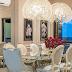 Sala de jantar com decor clássico e sofisticado em tons de rosa, neutro e dourado!